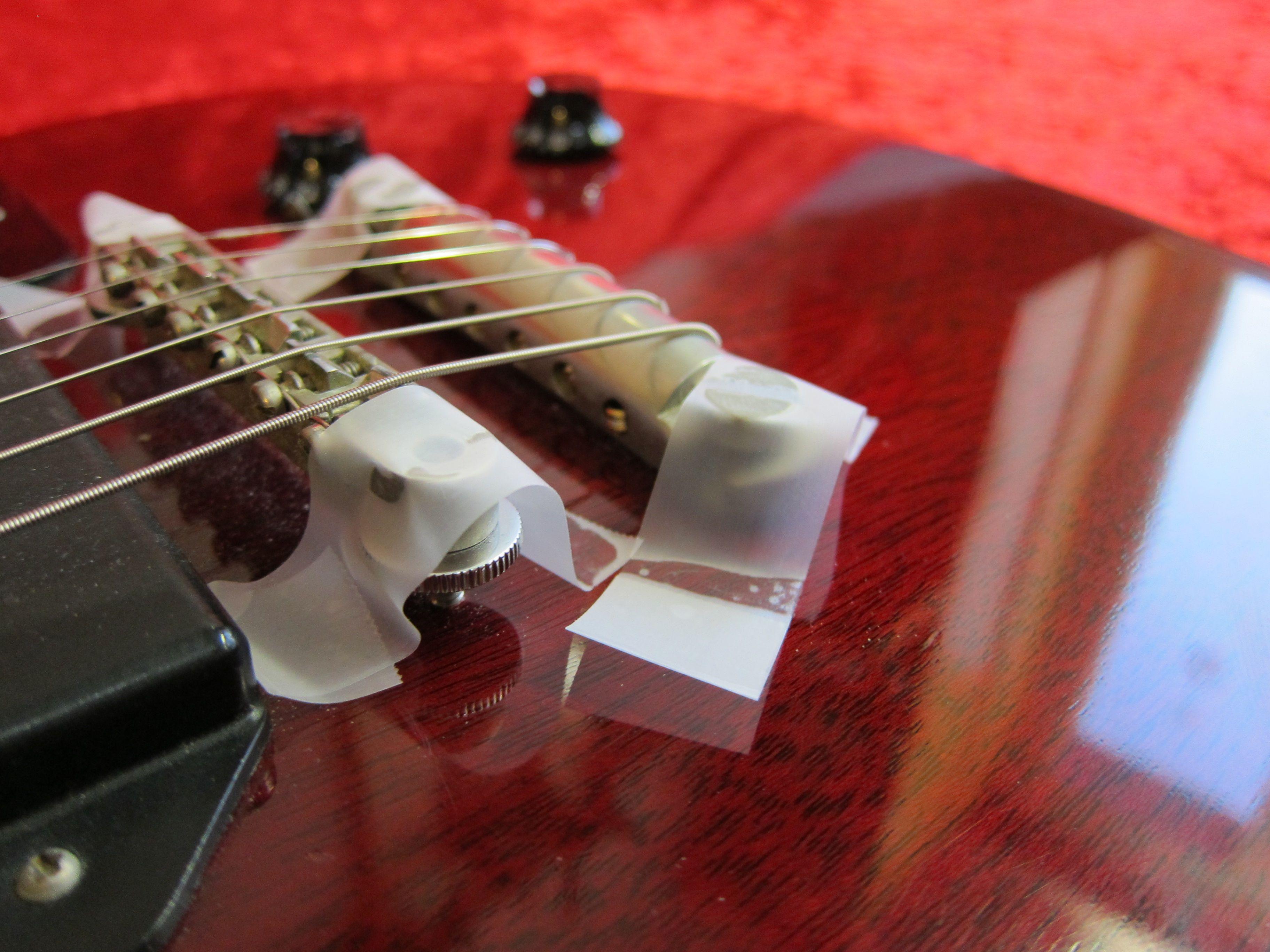 Les Paul -kitaran kieltenpidin teippaus